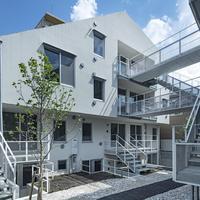玄関先が使える中庭が魅力|MMAAA一級建築士事務所
