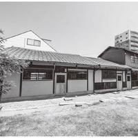 アッドスパイス、長屋を住居兼工房に改修