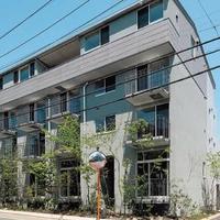 関町東の集合住宅、半地下でも明るい1階メゾネットが好評