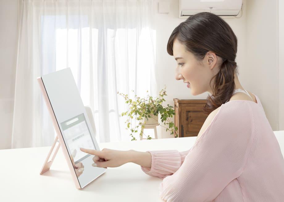 日栄インテック、鏡型タブレットを販売