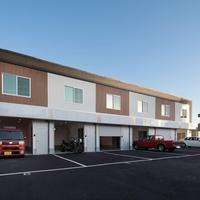 トランクルーム事業者、事務所やフリースペース、駐車場完備の賃貸住宅オープン