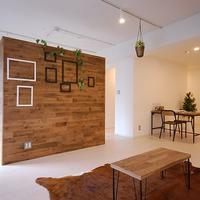 店舗デザイン会社が手掛けるカフェ風の部屋