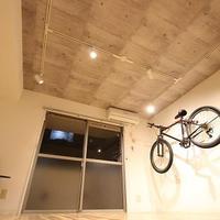 ロードバイクが飾れる部屋に改修