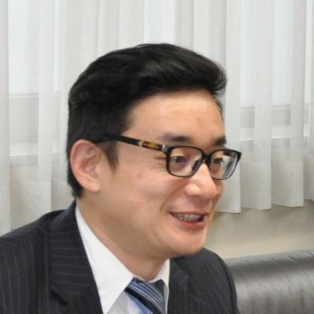 田崎 泰如 社長