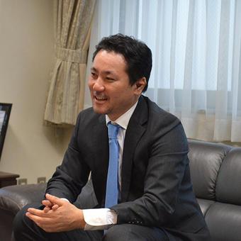 安達 慶高 社長